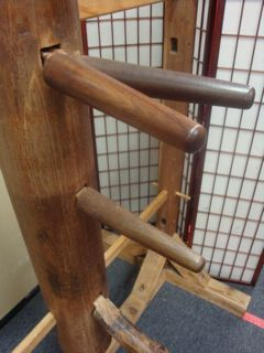 <i>Wing Chun Wooden Dummy Without Pads</i>