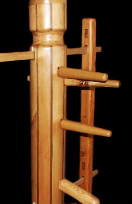 Wing Chun wooden dummy Jeet Kune Do owned by Bruce Lee
